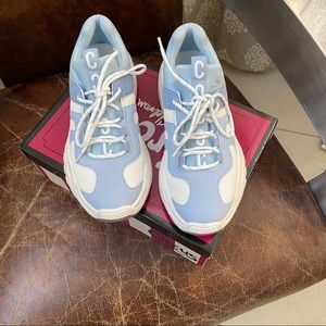Circus By Sam Edelman blue Terry sneakers 7.5